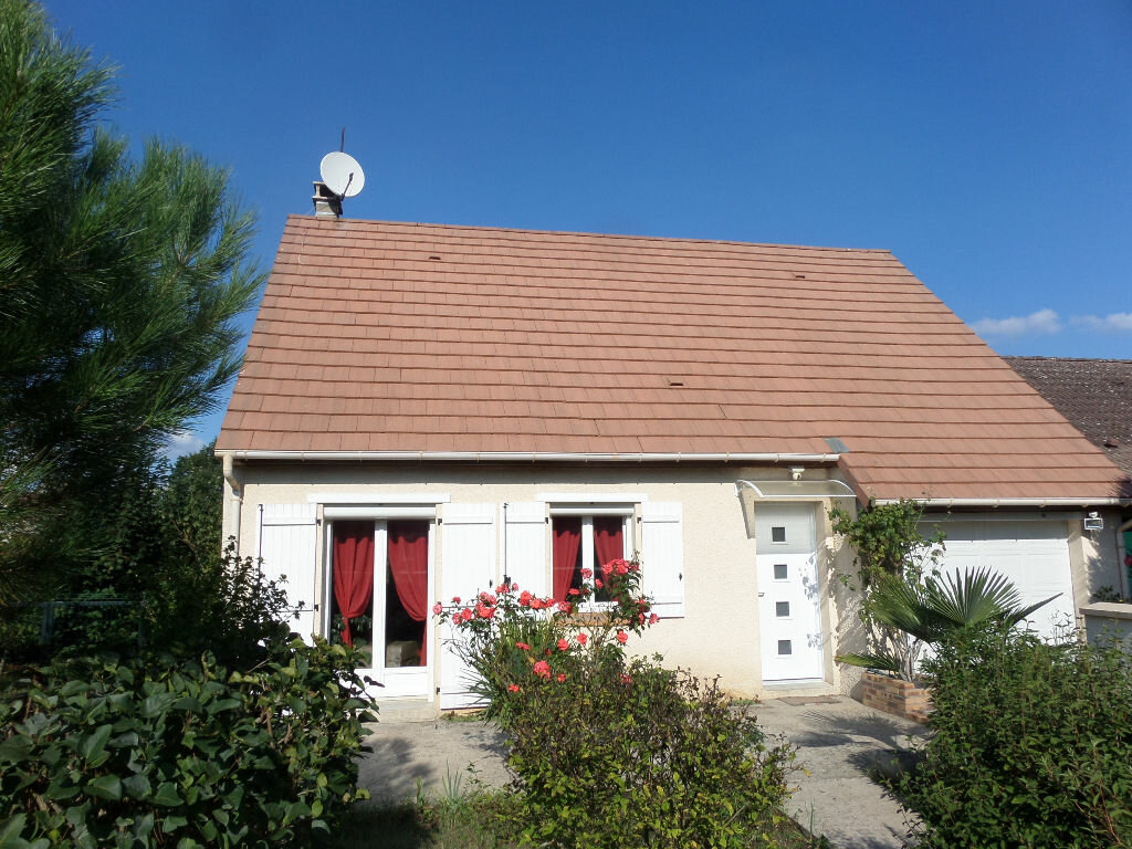 Achat Maison 4 pièces à Saint-Pierre-lès-Nemours - vignette-1