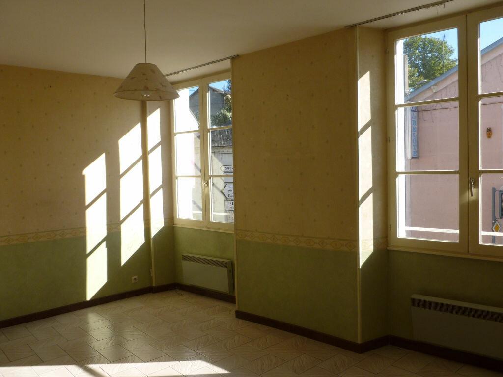 Location Appartement 3 pièces à Nemours - vignette-1