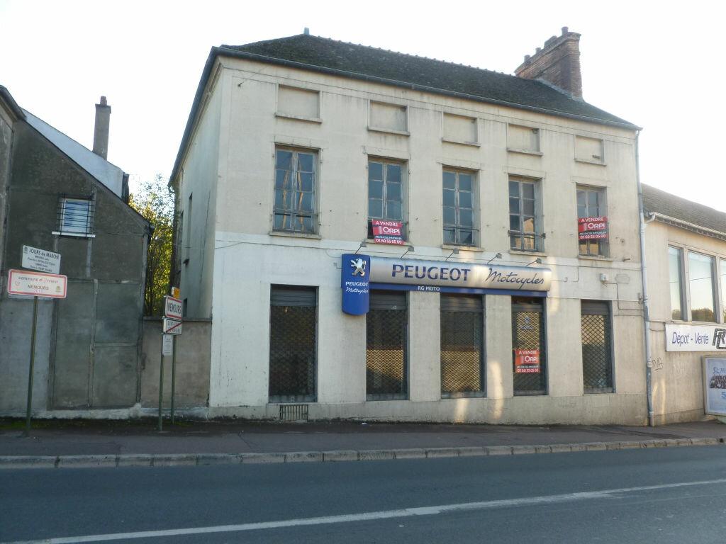 Achat Immeuble  à Saint-Pierre-lès-Nemours - vignette-1