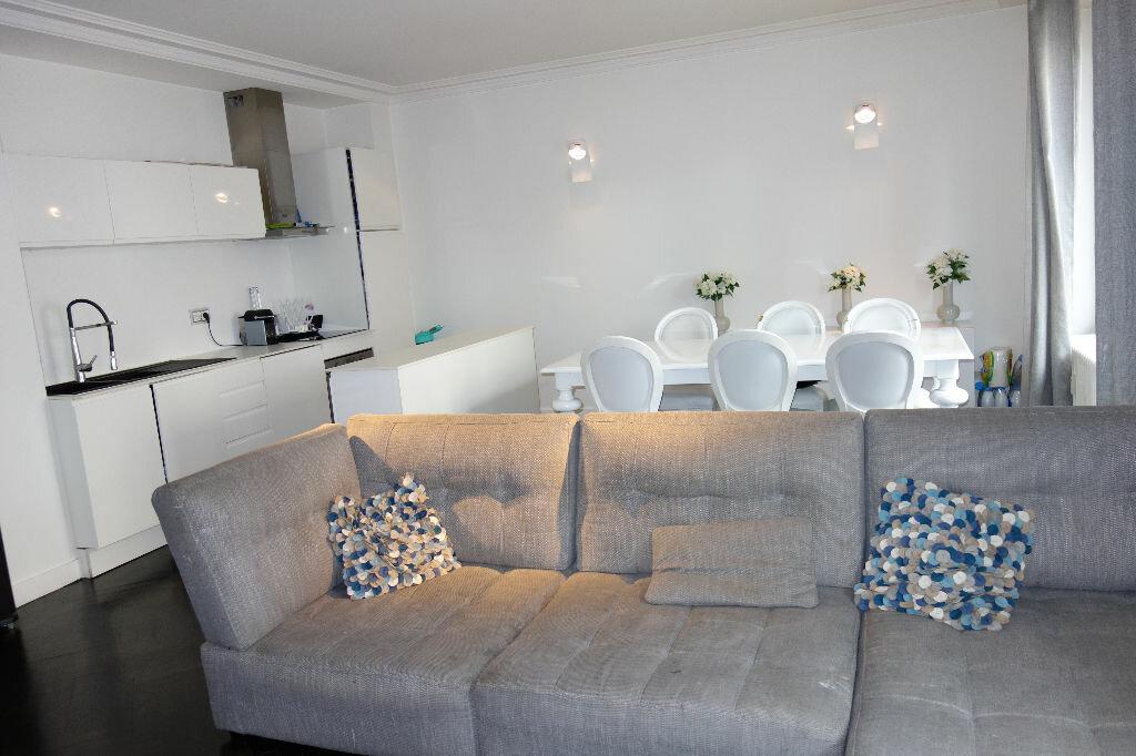 Achat Appartement 4 pièces à Lyon 6 - vignette-1