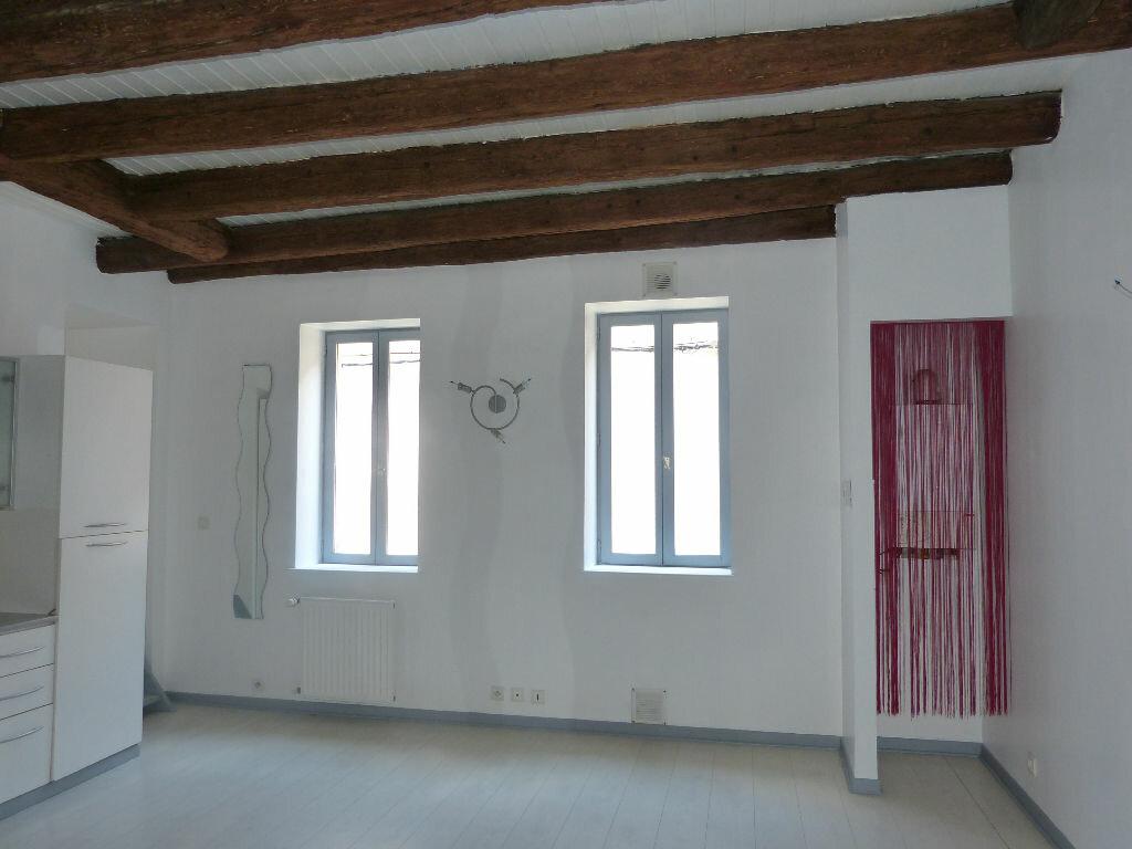 Location Appartement 3 pièces à Les Roches-de-Condrieu - vignette-1