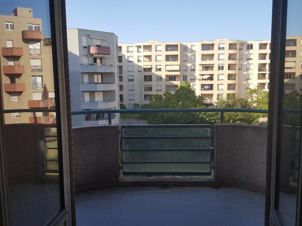 Achat Appartement 2 pièces à Villeurbanne - vignette-1
