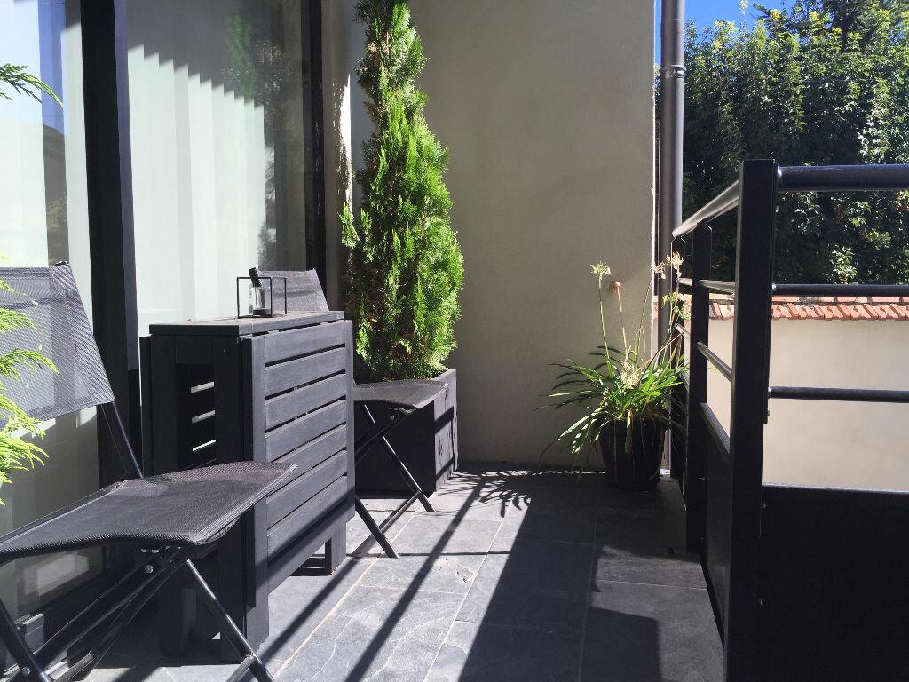 Achat Appartement 3 pièces à Saint-Cyr-au-Mont-d'Or - vignette-1