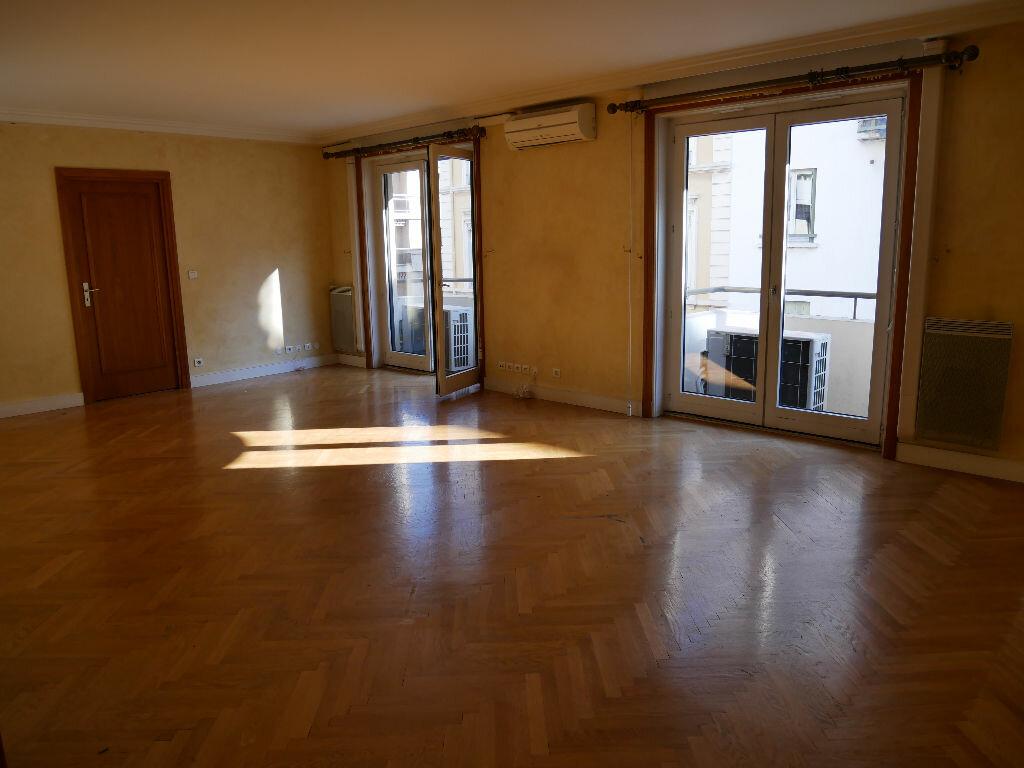 Achat Appartement 5 pièces à Lyon 6 - vignette-1