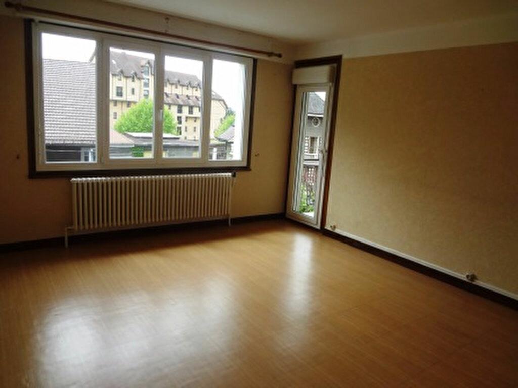 Location Appartement 2 pièces à Cluses - vignette-1