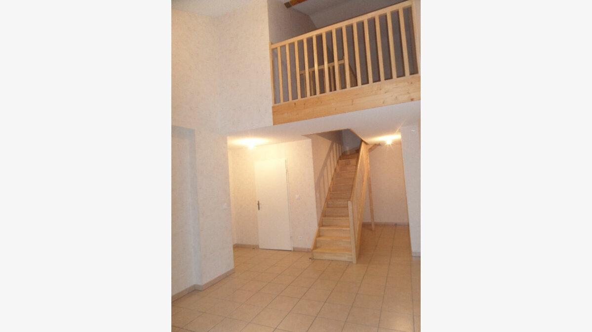 Location Appartement 3 pièces à Scionzier - vignette-1
