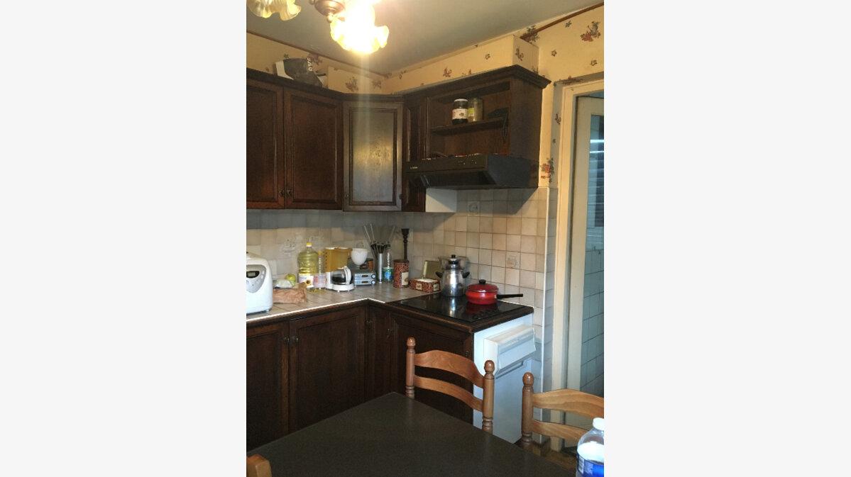 Achat Appartement 4 pièces à Cluses - vignette-2