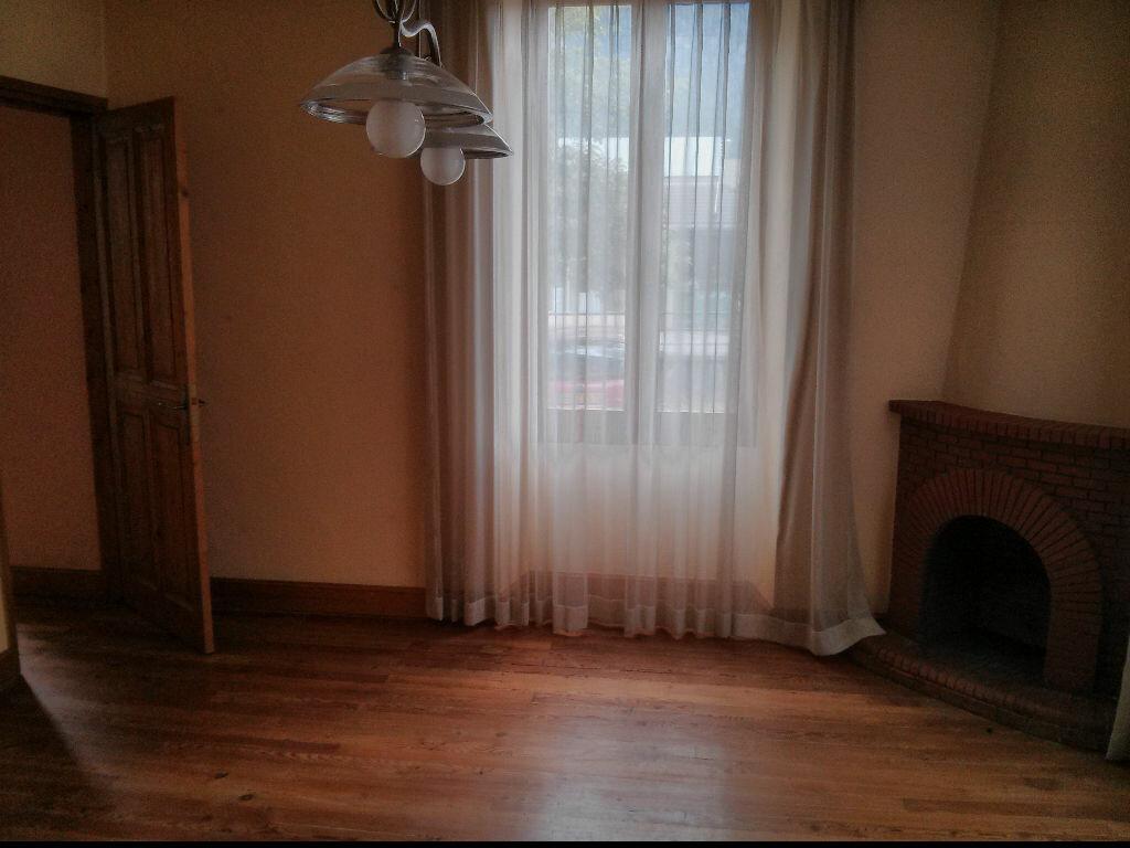 Achat Appartement 4 pièces à Sallanches - vignette-1