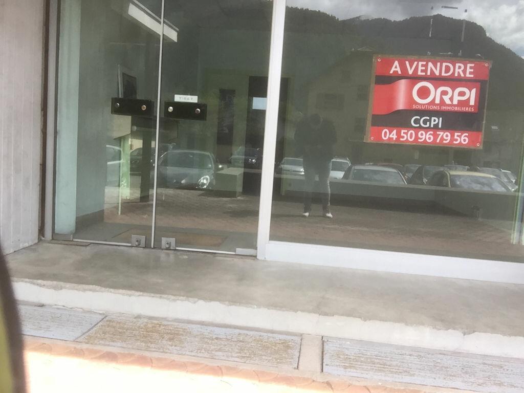 Achat Local commercial  à Cluses - vignette-1