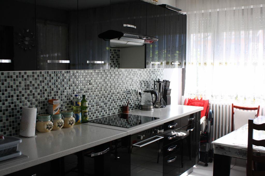 Achat Appartement 4 pièces à Scionzier - vignette-1