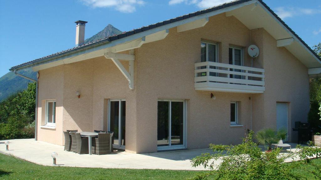 Achat Maison 5 pièces à Châtillon-sur-Cluses - vignette-1