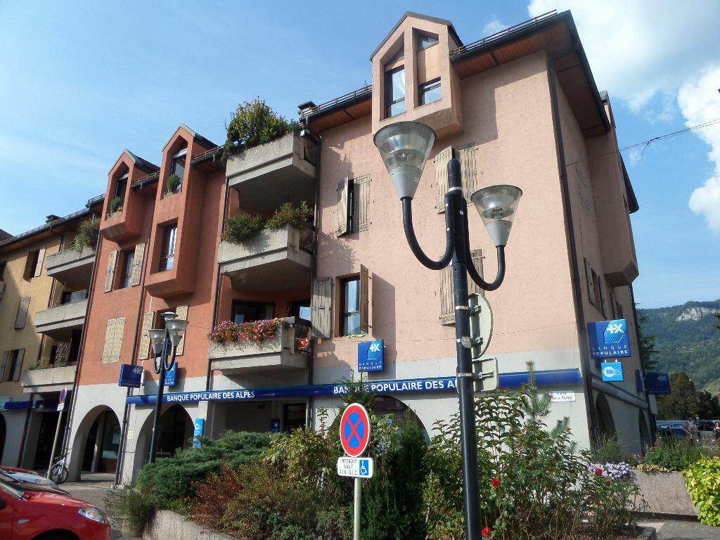 Location Appartement 3 pièces à Bonneville - vignette-1