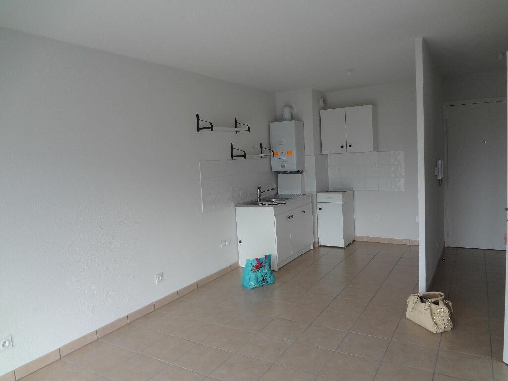 Location Appartement 2 pièces à Scionzier - vignette-1