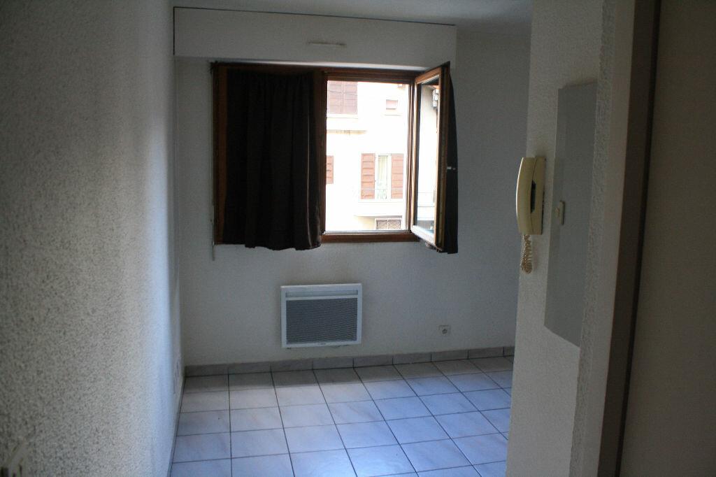 Achat Appartement 1 pièce à Cluses - vignette-1