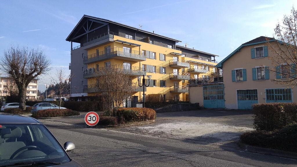 Location Appartement 2 pièces à Bonneville - vignette-1