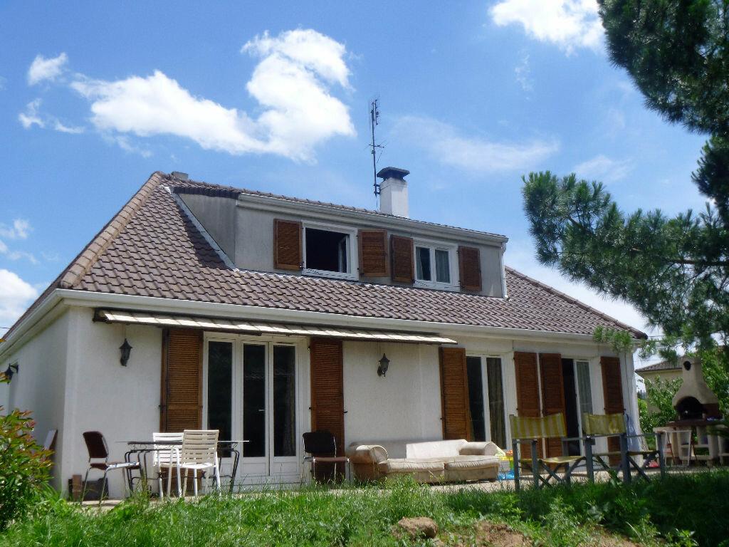 Achat Maison 6 pièces à Saint-Jean-d'Ardières - vignette-1