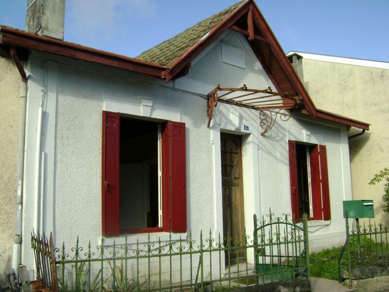 Achat Maison 3 pièces à Saint-Yzan-de-Soudiac - vignette-1