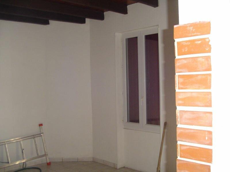 Achat Maison 3 pièces à Saint-Yzan-de-Soudiac - vignette-6