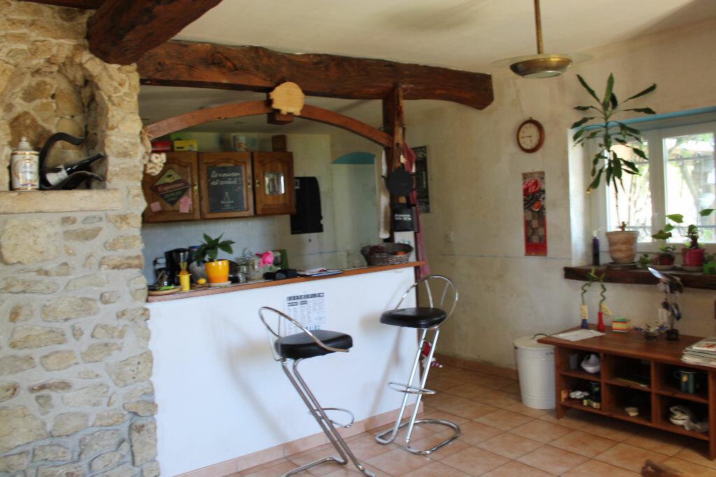 Achat Maison 5 pièces à Saint-Christoly-de-Blaye - vignette-1