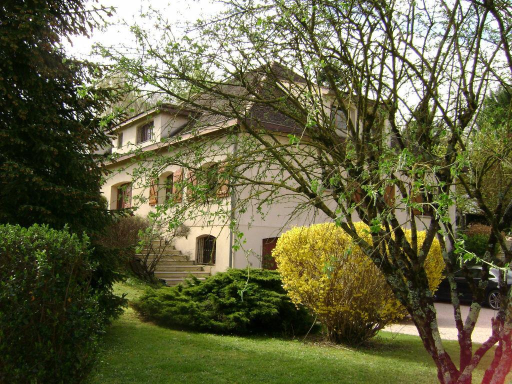 Achat Maison 11 pièces à Saint-Laurent-d'Arce - vignette-1