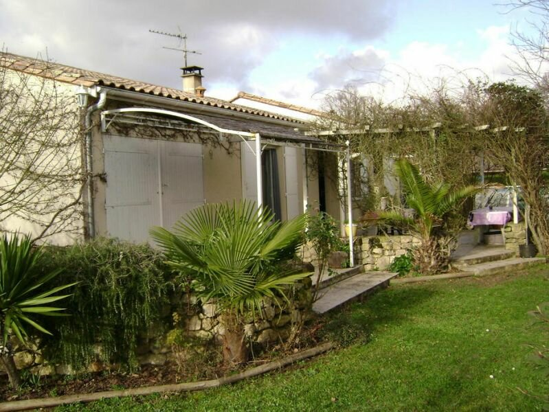 Achat Maison 4 pièces à La Lande-de-Fronsac - vignette-1