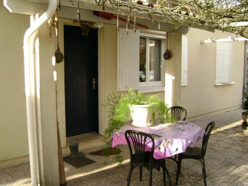 Achat Maison 4 pièces à La Lande-de-Fronsac - vignette-2