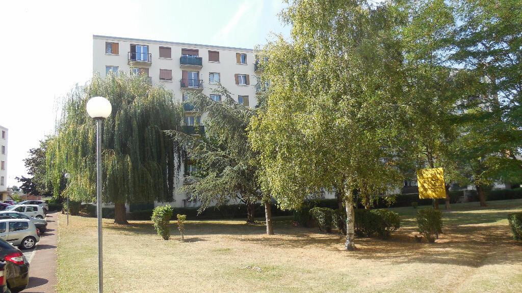 Achat Appartement 4 pièces à Villeparisis - vignette-1