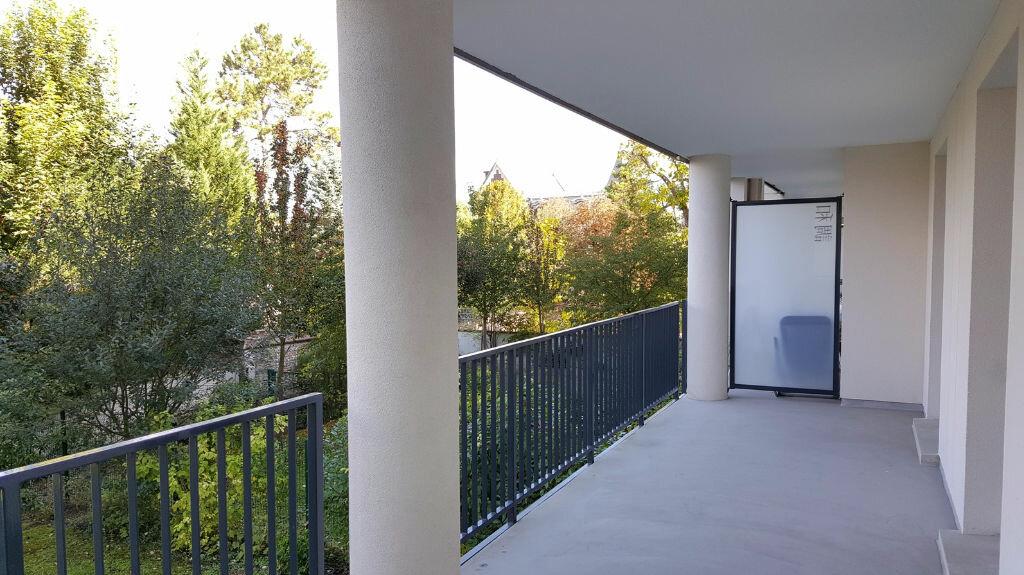 Location Appartement 2 pièces à Compiègne - vignette-3
