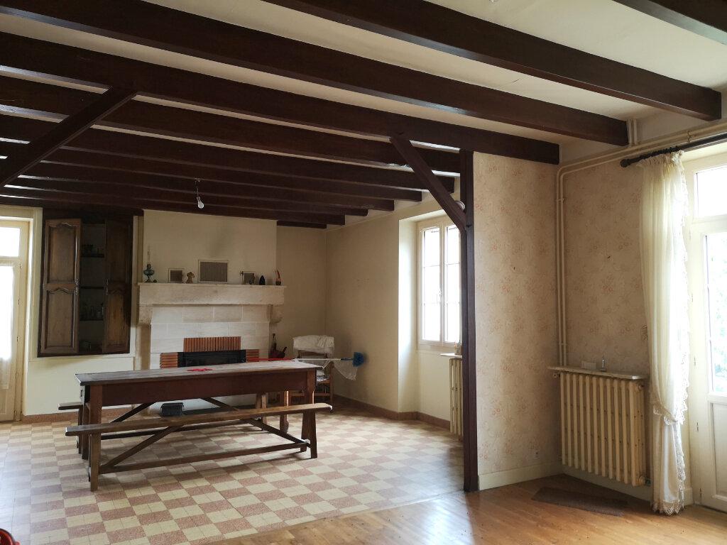 Achat Maison 5 pièces à Yvrac-et-Malleyrand - vignette-6
