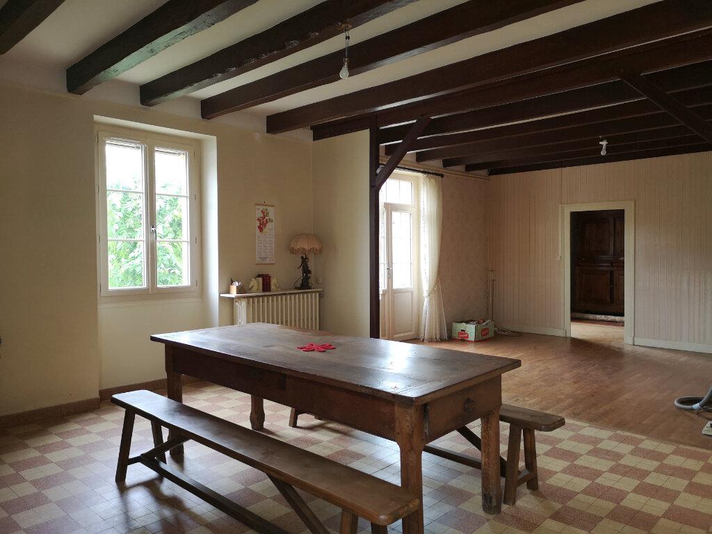 Achat Maison 5 pièces à Yvrac-et-Malleyrand - vignette-7