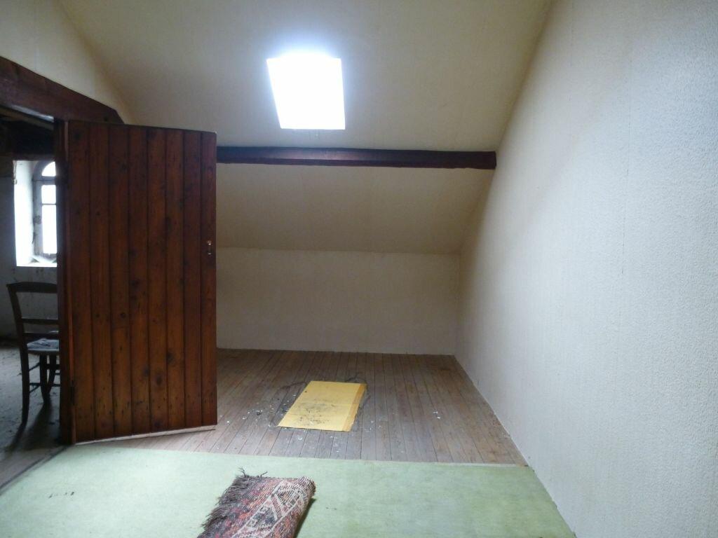 Achat Maison 6 pièces à Roumazières-Loubert - vignette-10