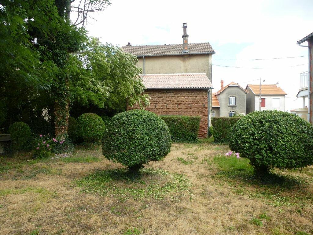 Achat Maison 6 pièces à Roumazières-Loubert - vignette-11