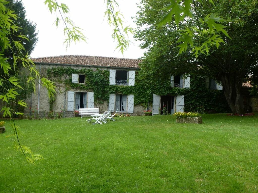 Achat Maison 11 pièces à Saint-Laurent-de-Céris - vignette-1
