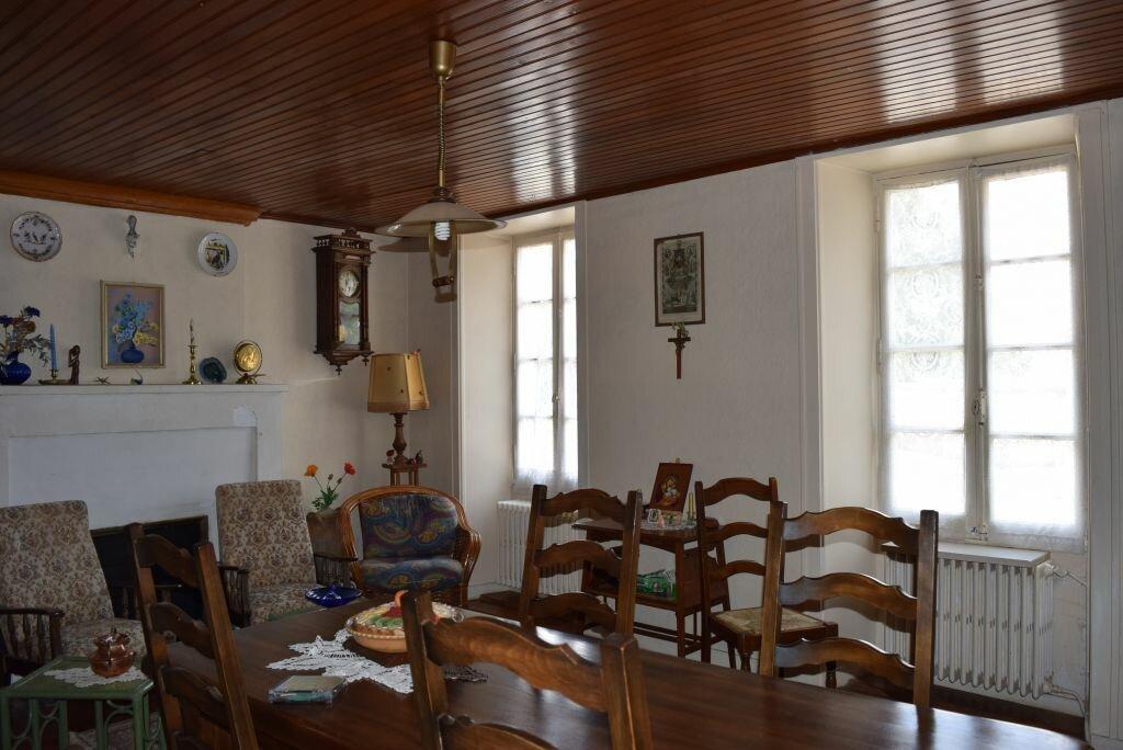 Achat Maison 8 pièces à Agris - vignette-2