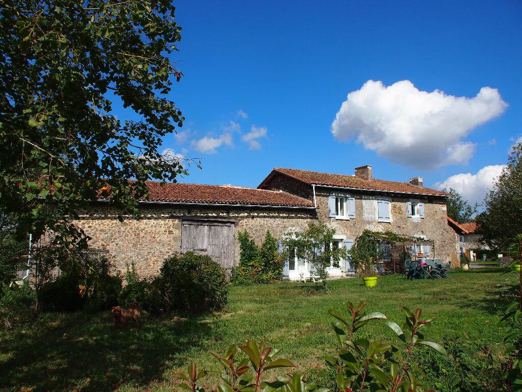 Achat Maison 7 pièces à Lésignac-Durand - vignette-1