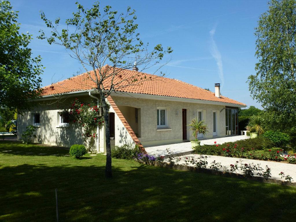 Achat Maison 9 pièces à Chasseneuil-sur-Bonnieure - vignette-14