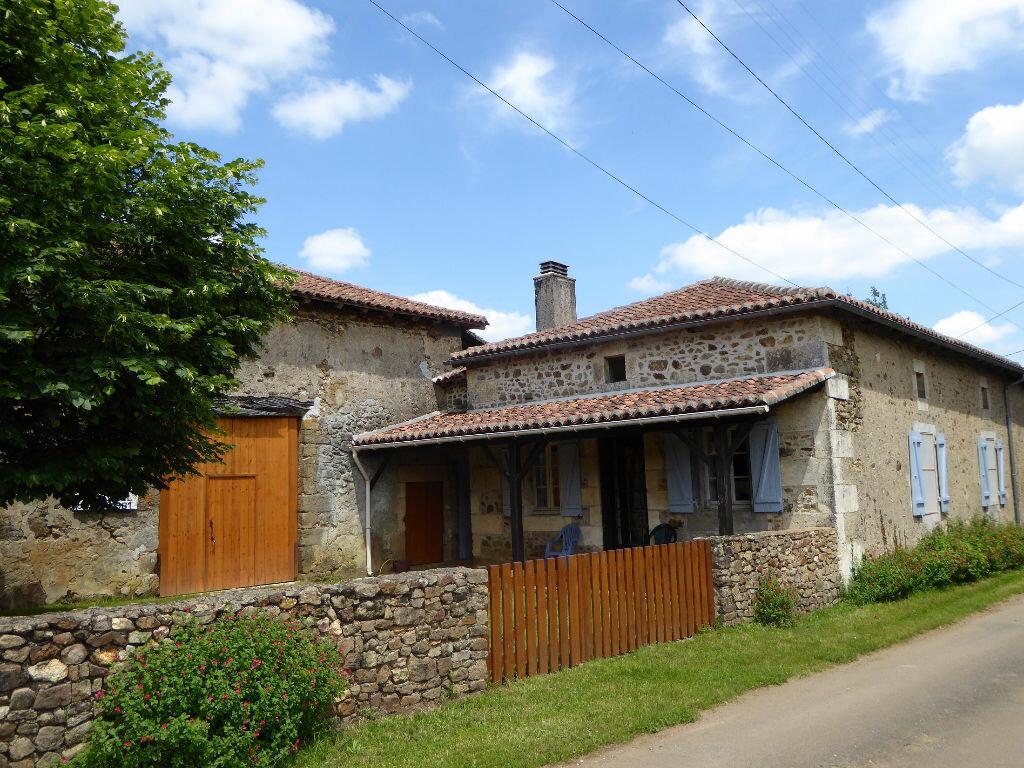 Achat Maison 3 pièces à Montbron - vignette-1
