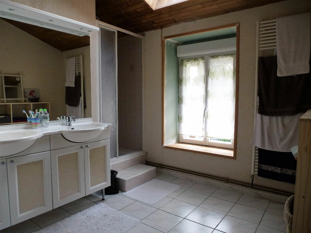 Achat Maison 7 pièces à Saint-Claud - vignette-9