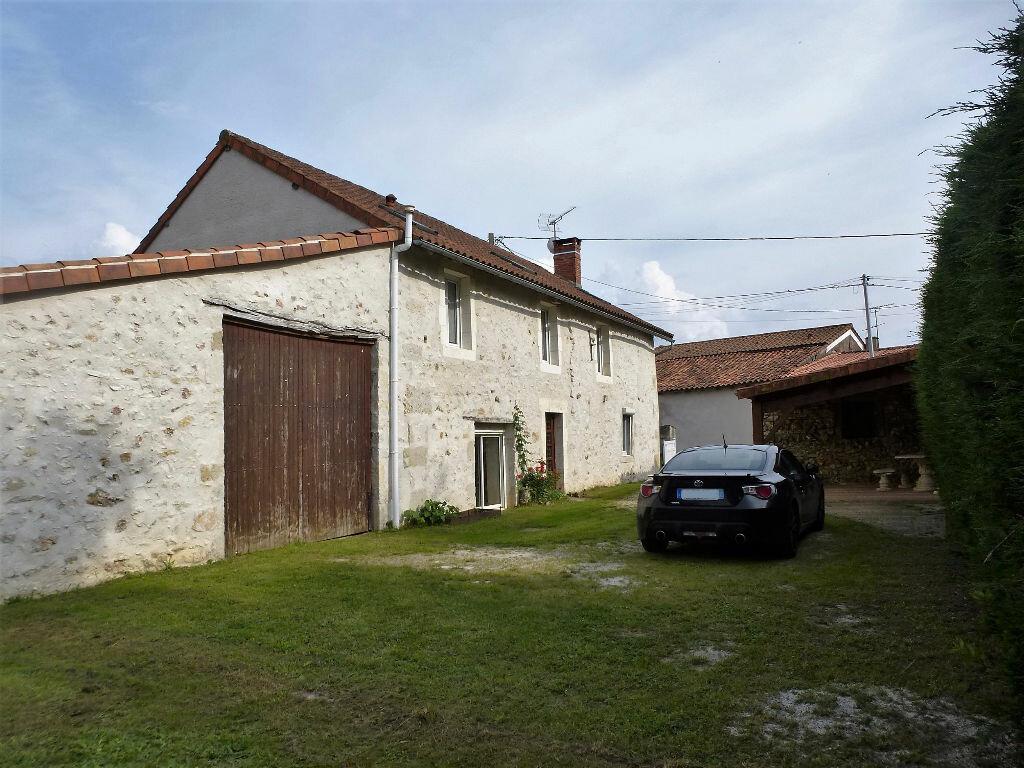 Achat Maison 7 pièces à Saint-Claud - vignette-10
