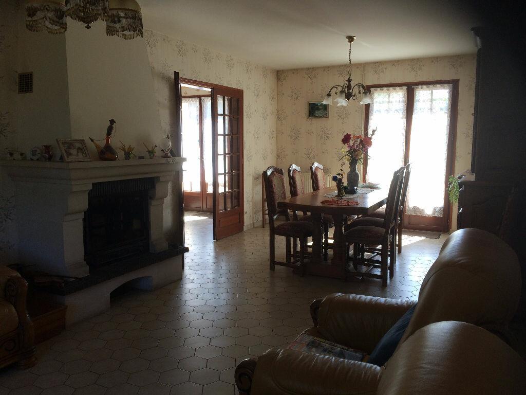 Achat Maison 5 pièces à Chasseneuil-sur-Bonnieure - vignette-5