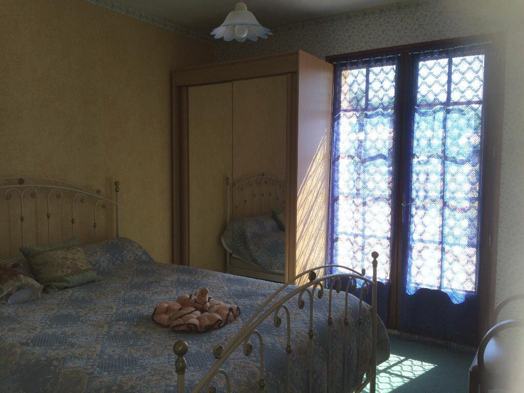 Achat Maison 5 pièces à Chasseneuil-sur-Bonnieure - vignette-7