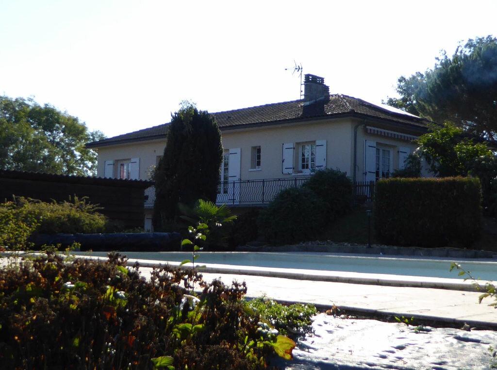 Achat Maison 7 pièces à Montbron - vignette-8
