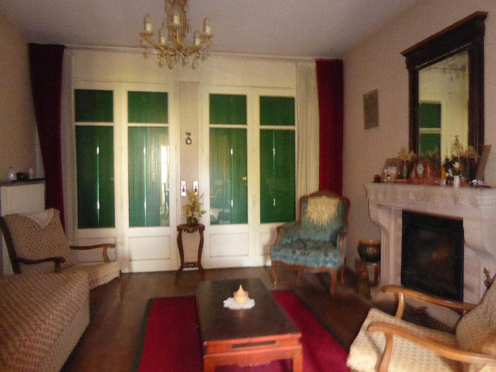 Achat Maison 8 pièces à Chasseneuil-sur-Bonnieure - vignette-4