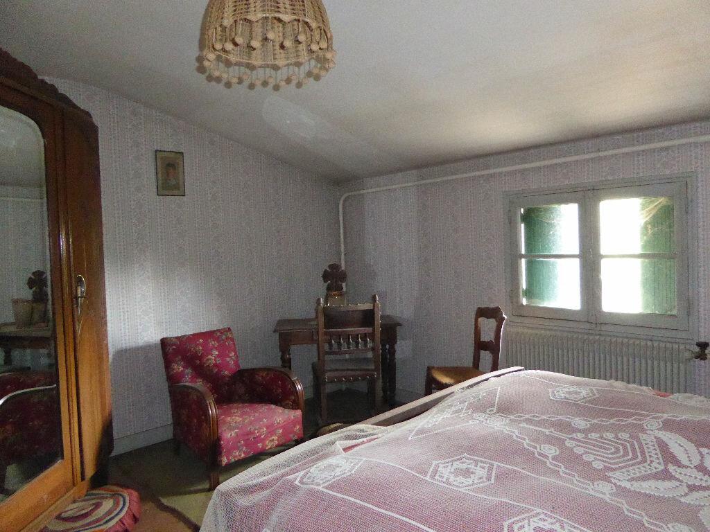 Achat Maison 8 pièces à Chasseneuil-sur-Bonnieure - vignette-8