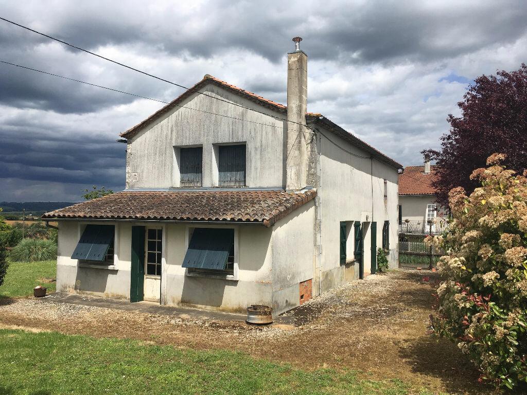 Achat Maison 6 pièces à Montbron - vignette-1