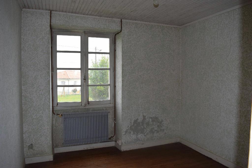 Achat Maison 6 pièces à Montbron - vignette-3