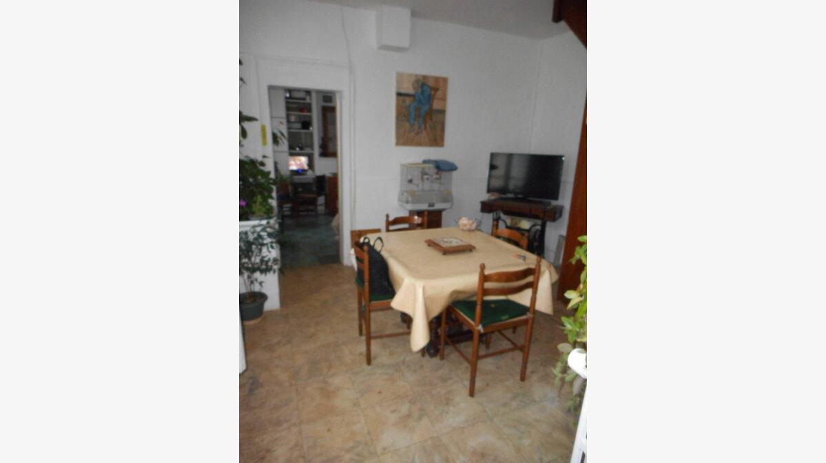 Achat Maison 5 pièces à Neufchâtel-sur-Aisne - vignette-6