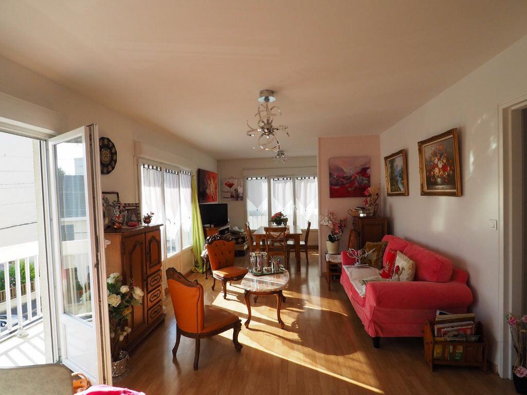 Achat Appartement 4 pièces à Reims - vignette-3