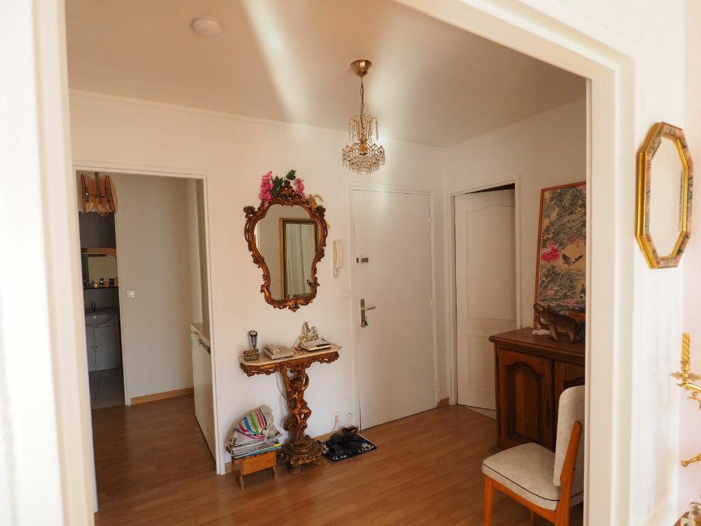 Achat Appartement 4 pièces à Reims - vignette-8