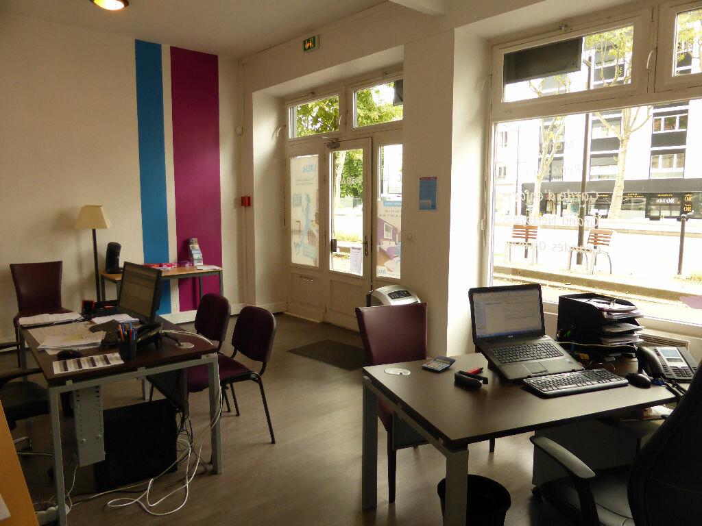Location Local commercial  à Boulogne-Billancourt - vignette-3